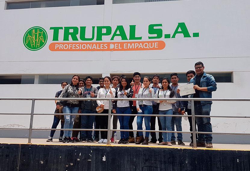 alumnos-usmp-visitan-trupal