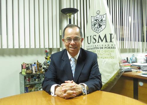 Dr. Daniel H. Valera Loza Decano de la Facultad de Ciencias Administrativas y Recursos Humanos